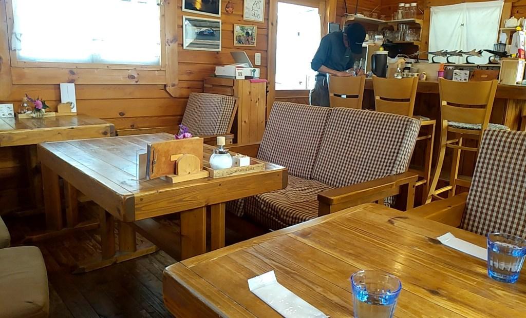 cafe歩笑(ぽえむ)店内2