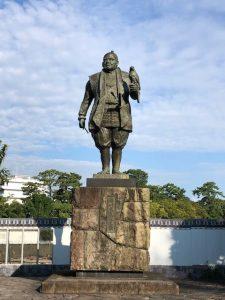 駿府城公園徳川家康像