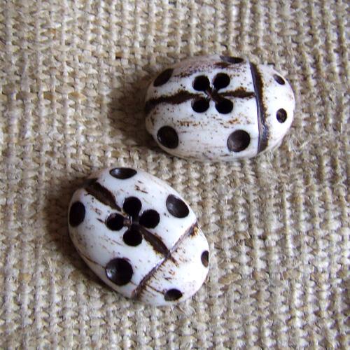 Lady Bird Buttons