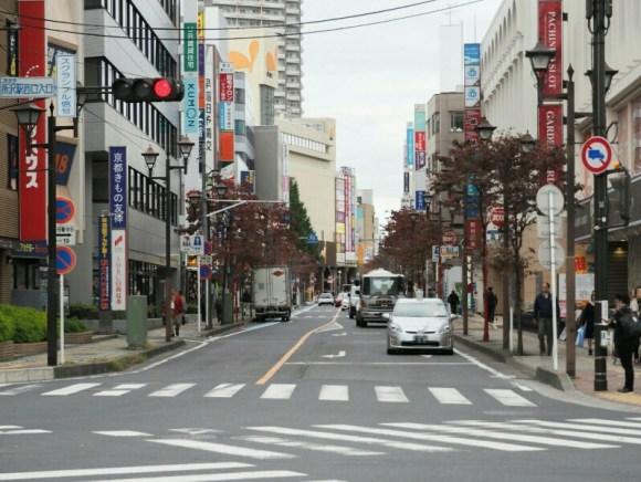 所沢駅付近の道路