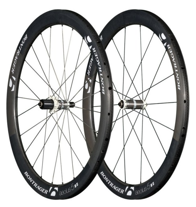 bontrager-aeolus-5-d3-tubular-wheel-carbon-white