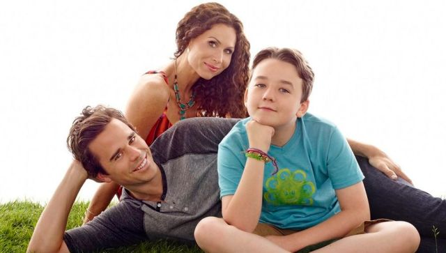ABOUT A BOY -- Season: 2 -- Pictured: (l-r) David Walton as Will, Minnie Driver as Fiona, Benjamin Stockham as Marcus -- (Photo by: Robert Trachtenberg/NBC)