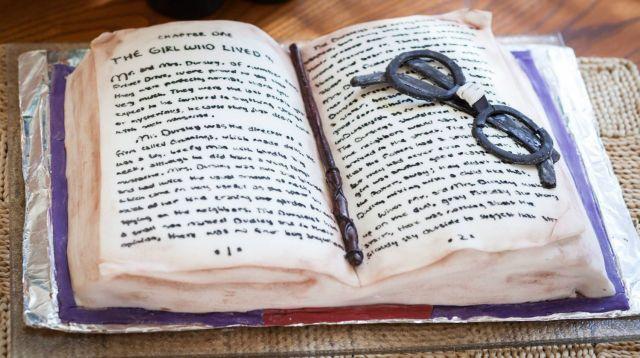a-book-cake
