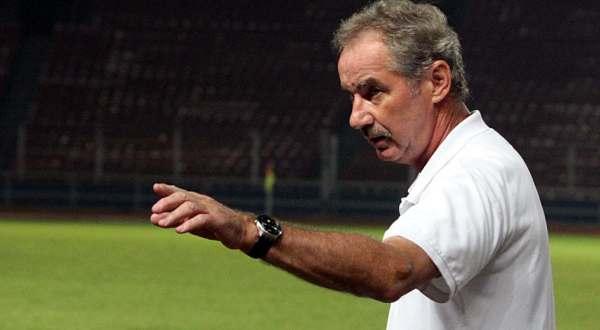 PSSI Pilih Alfred Riedl Latih Timnas Indonesia