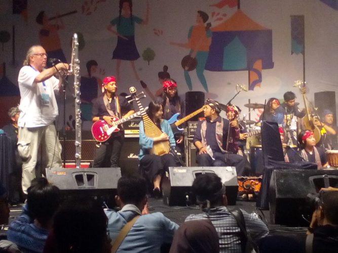 Kolaborasi Taramurag di penutupan konser Matasora
