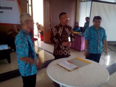 Sahabat Kumkum dan Dinas Koperasi Kota Bandung Priana Wirasaputra