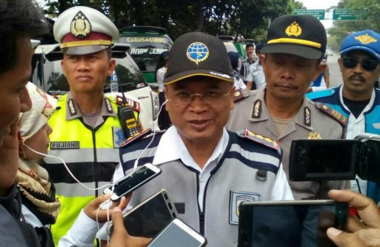 Kegiatan penertiban dan pembinaan taksi online oleh Dishub Jabar dan Polrestabes Bandung