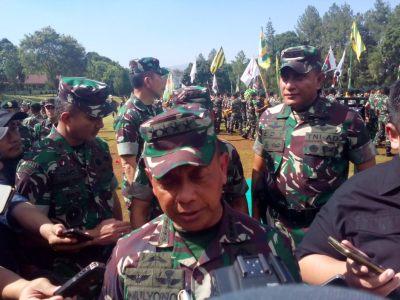 Kasad TNI Jendral TNI Mulyono saat wawancaranya dengan wartawan di Pusdikif Pusenif, Cipatat, (14/11/2017)