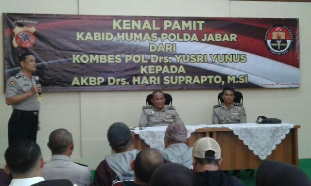 Kenal Pamit Kabid Humas Polda Jabar. Sebelumnya posisi ini dijabat Kombes Pol. Yusri Yunus dan saat ini posisi tersebut dijabat oleh AKBP Hari Suprapto.