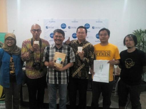 Pemenang seduh kopi di kelas kopi yang diadakan oleh Dafam Rio Hotel bersama Warkop Udin Wati, Sabtu (20/1/2018).