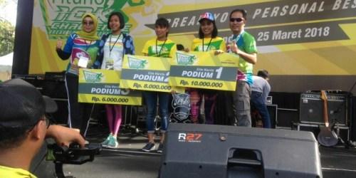 Juara kategori elite putri di gelaran Fituno 10K Run Challenge Bandung 2018
