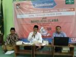 Ketua PCNU Kota Semarang, KH Anashom.