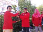 Kepala Dinas Sosial Kota Semarang, Tommy Yarmawan Said di sela kegiatan tanam mangroove yang dilaksanakan dalam rangka memperingati Hari Kesiapsiagaan Bencana Nasional ke 11 bersama Tagana Kota Semarang hari ini, (06-05-2018), di Pantai Tapak, jalan Tapak Tugurejo, Tugu Kota Semarang.