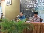 Ketua FKPT Jateng, Dr. Drs. Budiyanto, SH. M.Hum., dalam Dialog Keagamaan dan Doa Kebangsaan yang digelar oleh DPD KNPI Kota Semarang di Krisna Room Hotel Siliwangi, Jalan MGR Soegijoprarono No. 61 Pendrikan Kidul Semarang Tengah, Kota Semarang, Kamis (31/05/2018)