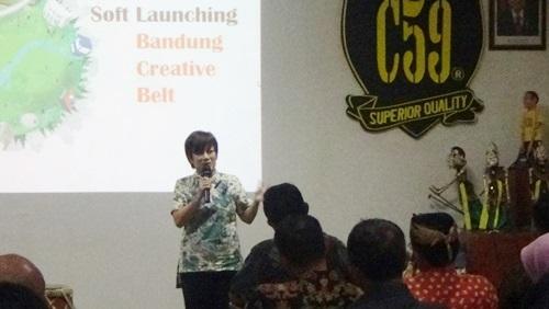 Kadisbudpar Kota Bandung Kenny Dewi Kaniasari digelaran peluncuran Bandung Creative Belt