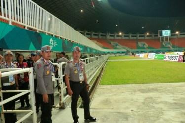 Kapolda Jabar Tinjau Pengamanan Pertandingan Sepakbola Asian Games Di Stadion Pakansari Bogor