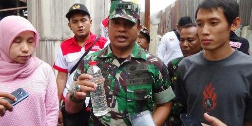 Bening, hasil olahan limbah dari PT Antelas, Cimahi, yang ditunjukkan oleh Dansektor 21 Satgas Citarum Kolonel Inf Yusep Sudrajat