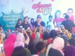 Anang Dan Ashanty Hadiri Pembukaan Ayam Asix Di Kota Bandung