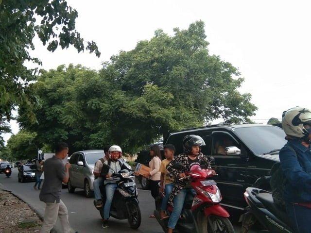 Aksi peduli bencana Mabar mahasiswa Manggarai di Kupang