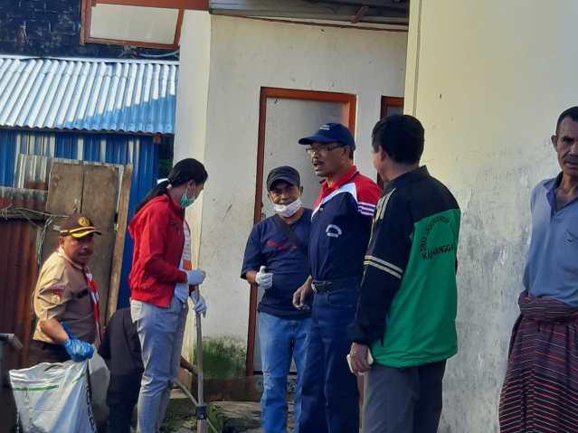 Wakil Bupati Manggarai, Viktor Madur ikut ambil bagian dalam aksi bersih sampah