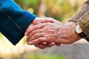ancianos manos  2