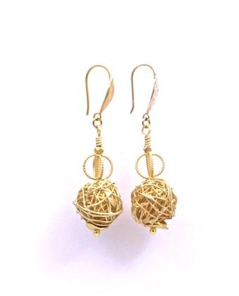 Gold Wire Ball Earrings_Salomon
