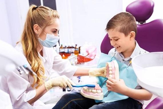 Saiba a importância de levar seu filho ao odontopediatra