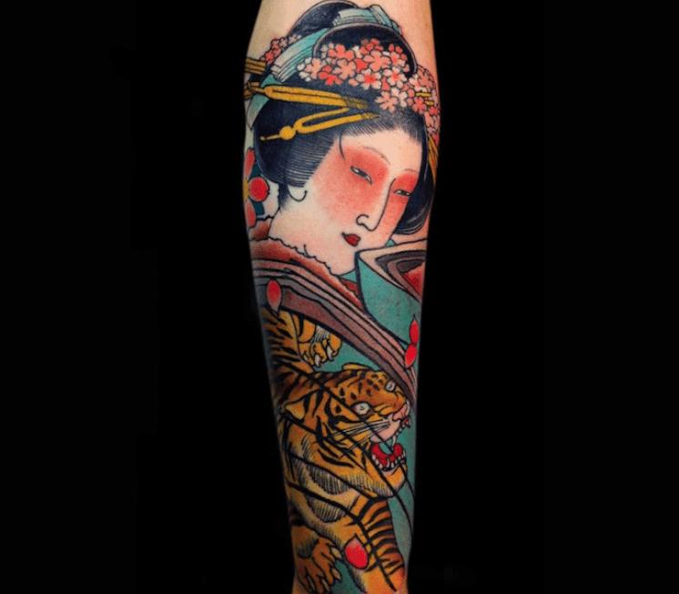 Tatouage geisha bras