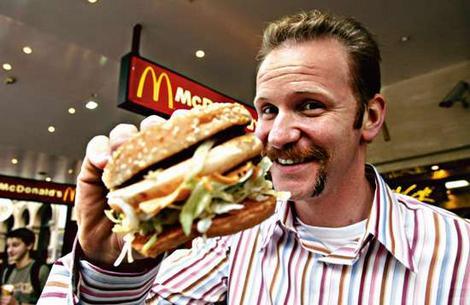 Morgan Spurlock eats a Big Mac