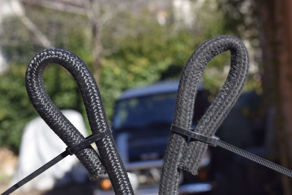 comparatif_rayon_courbure_durite_essence_voiture_a