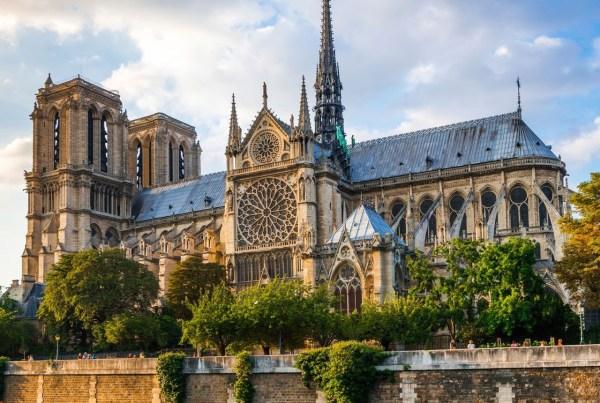 """PARIS ET ÎLE-DE-FRANCE : """"RECORD ABSOLU"""" DU NOMBRE DE TOURISTES"""