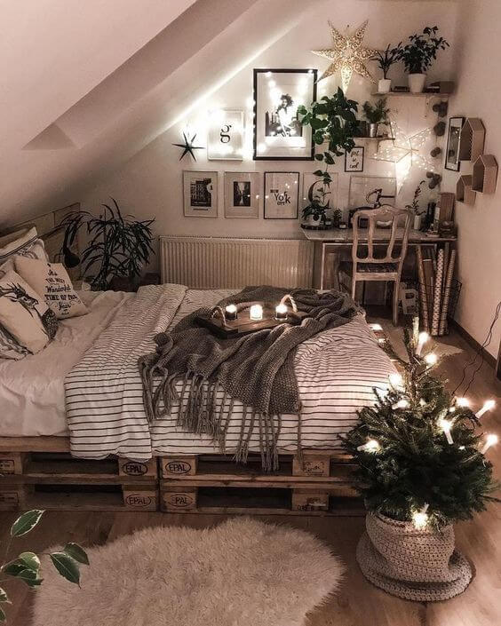 25 Small Bedroom Ideas That Are Look Stylishly & Space Saving on Ideas For Small Rooms  id=68327