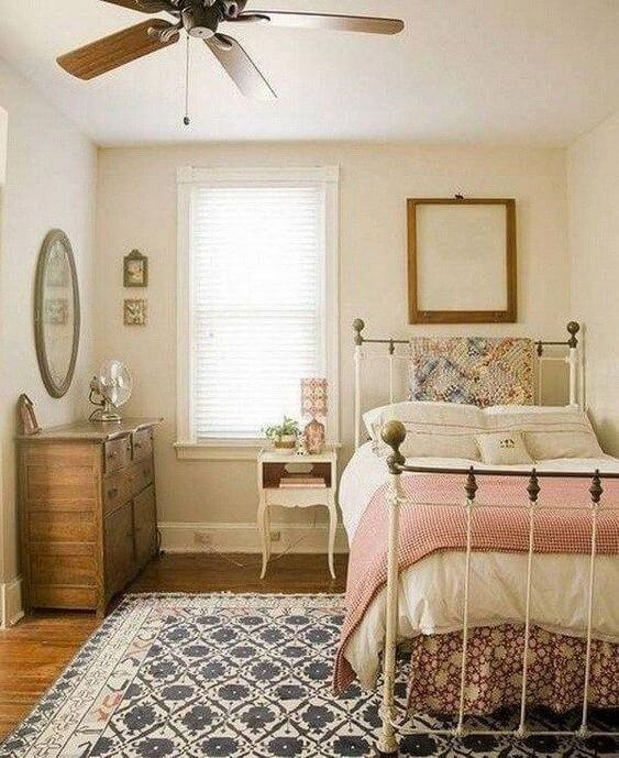 25 Small Bedroom Ideas That Are Look Stylishly & Space Saving on Small Room Ideas For Girls  id=57205