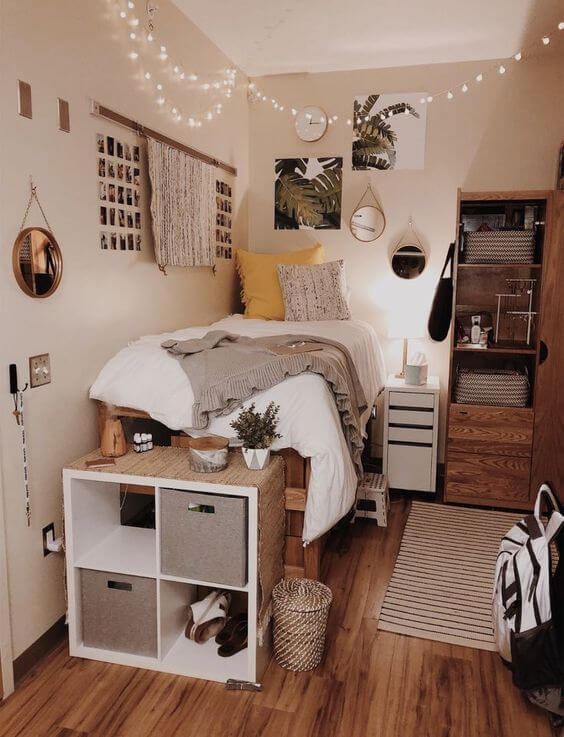 25 Small Bedroom Ideas That Are Look Stylishly & Space Saving on Bedroom Ideas For Small Spaces  id=25487