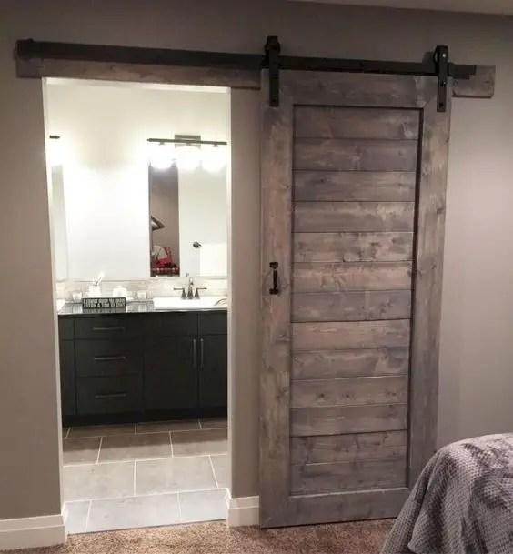 rustic barnwood decor for bathroom