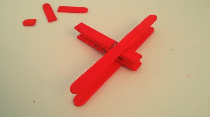 flugzeug aus eisstielen bauen