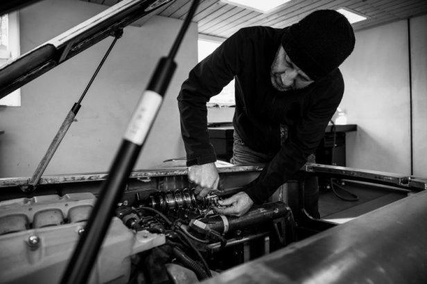 Belgai pastatė stilingą 30-ojo dešimtmečio automobilių stilių keliaujantį kemperį