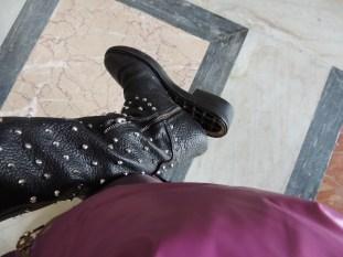 Y en pleno Vaticano, mi bota se echó a perder. Ni modo, tuve que comprar otras saliendo de ahí.