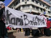 Aksi bantah TPPA oleh anak muda Malaysia