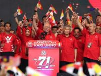 Malaysia's sixty-year ruling party facing electoral defeat