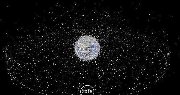 søppel rundt jorden
