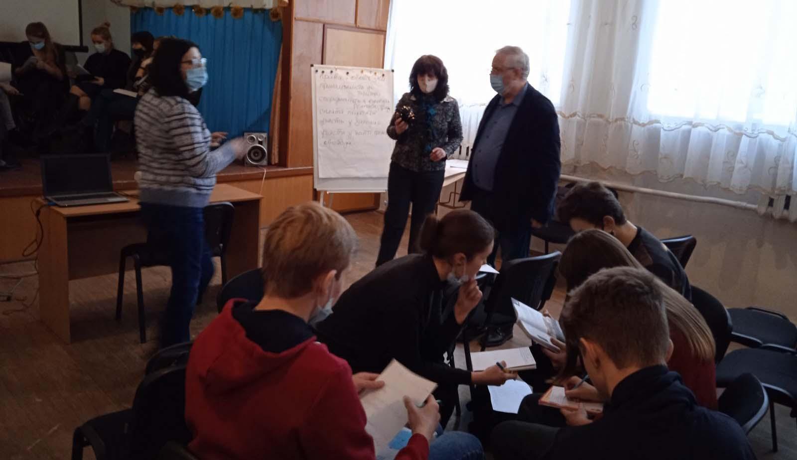 DOBRE 6 Експерти DOBRE досліджували проблеми та перспективи громади