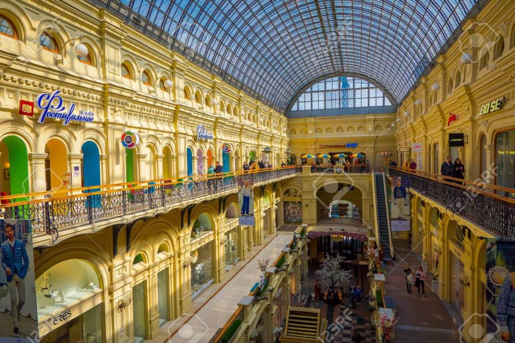 120102629-moscow-russia-april-24-2018-inside-famous-gum-the-large-store-in-the-kitai-gorod-part-of-moscow-faci