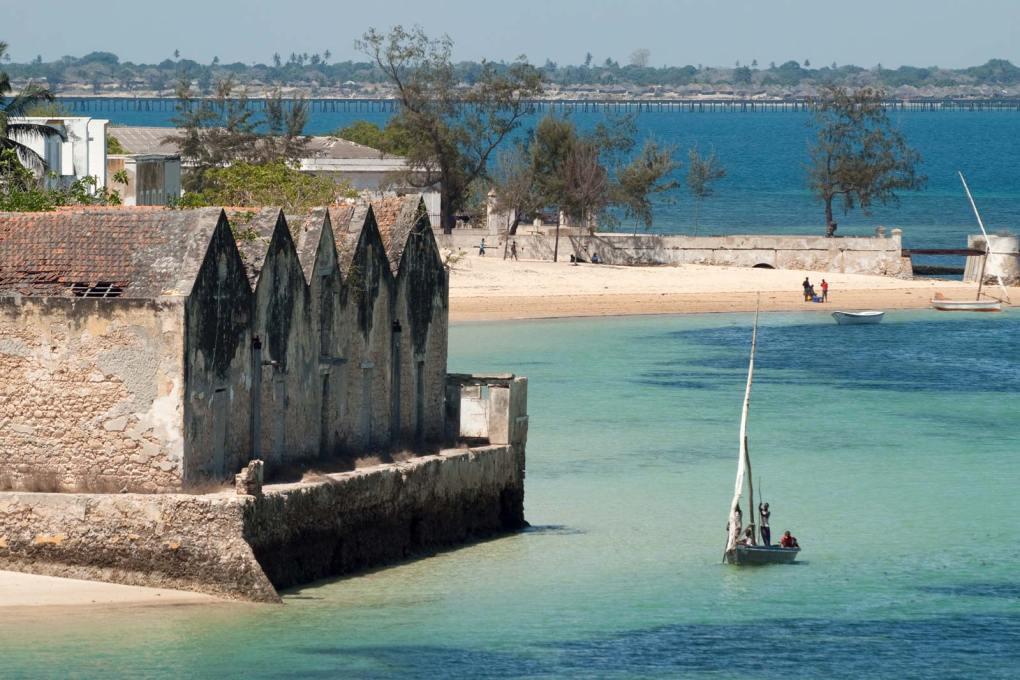 مركب شراعي ، ساحل جزيرة موزمبيق