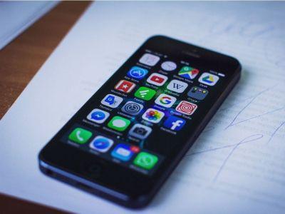 Colombianos pasan más de 100 minutos diarios en sus smartphones