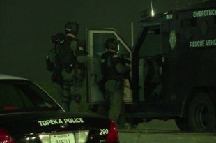 4 Federal Agents Shot, Motel Destroyed in Topeka, Kansas