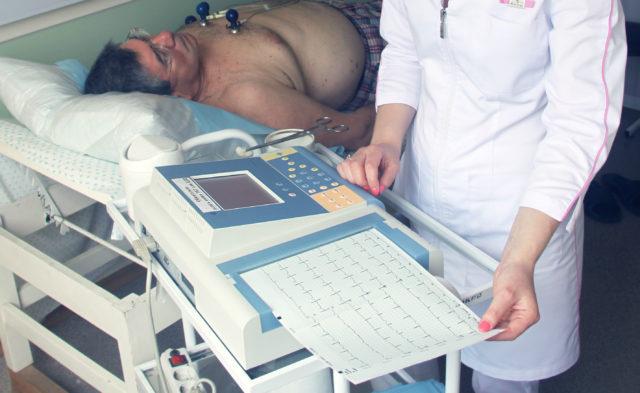 Мерцательная тахикардия сердца причины и симптомы лечение. Что такое аритмия и тахикардия и чем они отличаются? Как проявляется пароксизмальная тахикардия