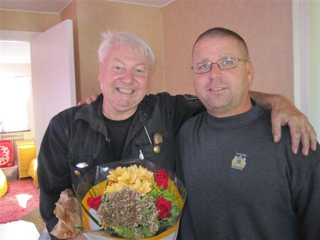 Sven tillsammans med arbetsledare Robert Dyk. De två har jobbat över trettio år tillsammans.