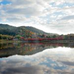 """Also one side, such as the Uyuni salt lake – in the autumn leaves is the best time to see the """"Hirosawa pond"""""""