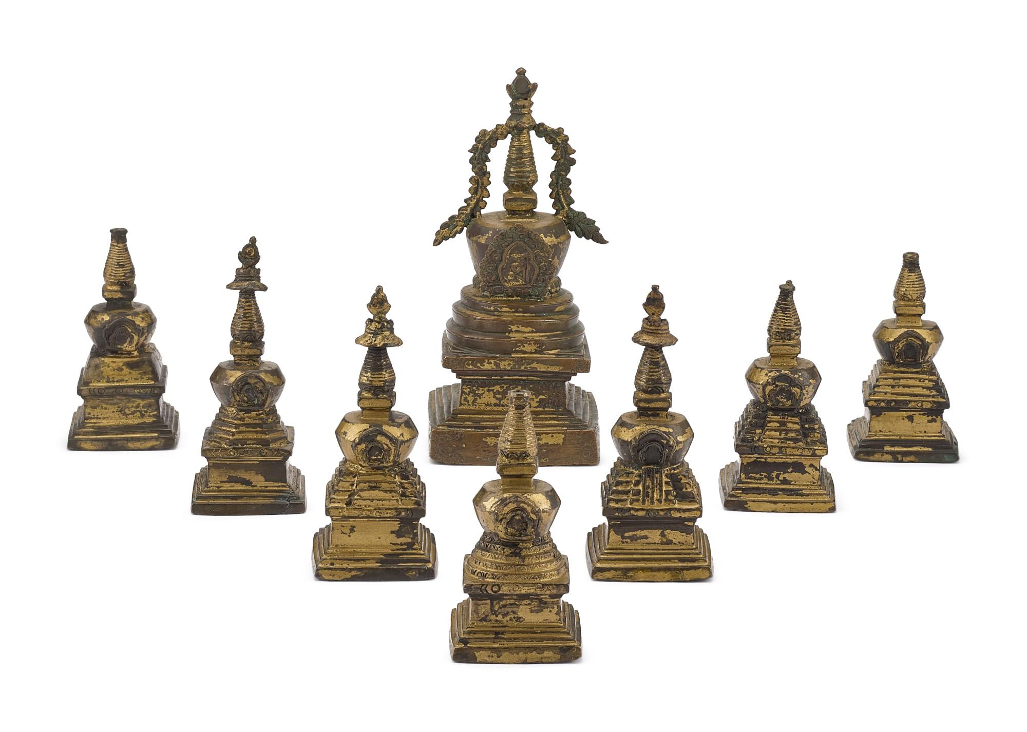 A GROUP OF EIGHT BRONZE STUPAS, TIBET, 18TH – 19TH CENTURY   十八至十九世紀 藏傳銅佛塔一組八座